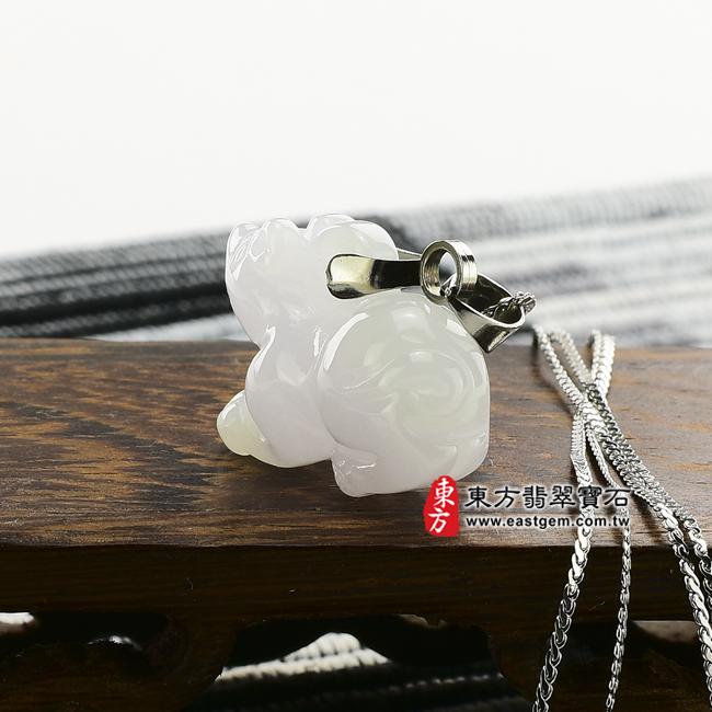 金錢鼠情境照片(已售出勿下標,可訂做)翡翠鼠項鍊玉珮(金錢鼠:鼠牌A貨翡翠鼠玉珮、緬甸玉鼠玉墜、鼠十二生肖項鍊)。白翡鼠,MU009。客製化訂做各種翡翠鼠吊墜玉珮項鍊。★附A貨翡翠雙證書