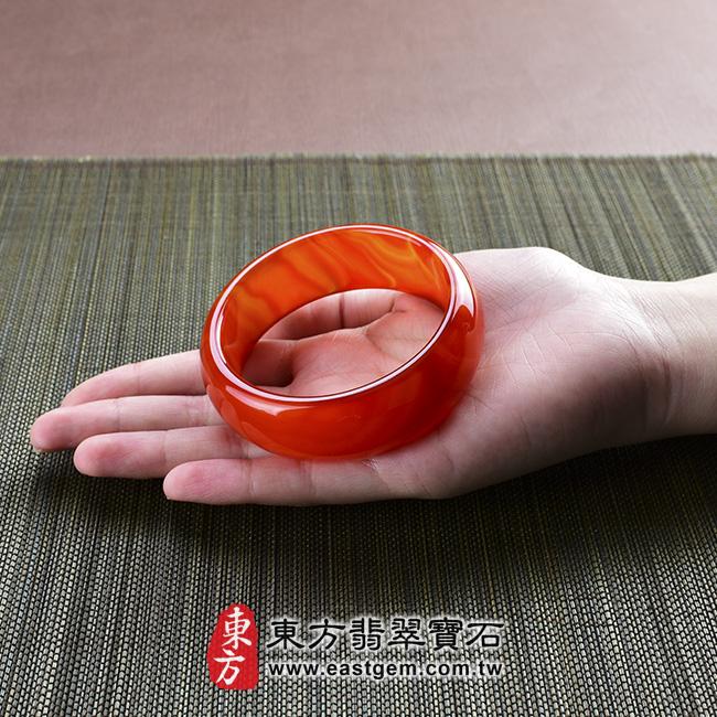 天珠紅瑪瑙玉髓手鐲玉鐲 大小示意照片 天珠紅瑪瑙手鐲。(圓鐲19,RM010)。客製化訂做各種天珠紅瑪瑙手鐲。★附東方翡翠寶石雙證書