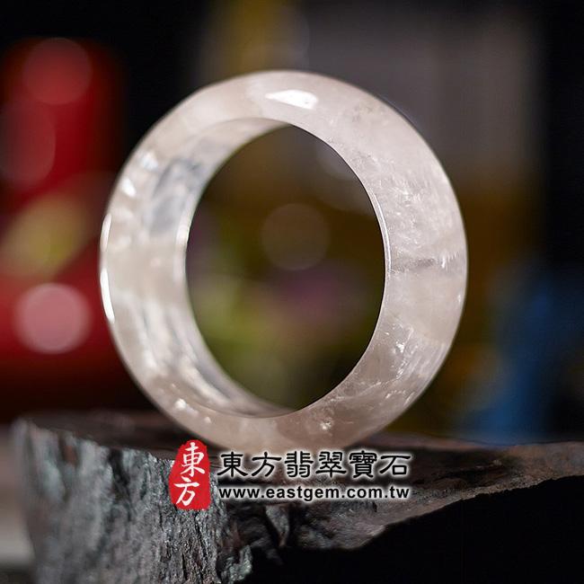 冰種粉晶天然手鐲玉鐲右側照片  冰種粉晶手鐲、粉晶手鐲。(粉色,半透光,圓鐲17.5,PI011)。客製化訂做各種冰種粉晶手鐲、粉晶手鐲。★附東方翡翠寶石雙證書