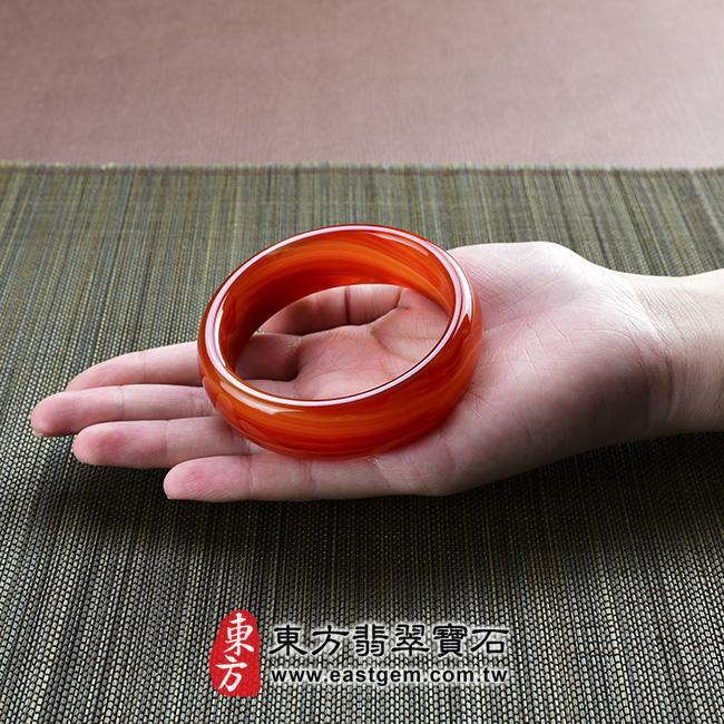 天珠紅瑪瑙玉髓手鐲玉鐲 大小示意照片  天珠紅瑪瑙手鐲。(圓鐲19,RM007)。客製化訂做各種天珠紅瑪瑙手鐲。★附東方翡翠寶石雙證書