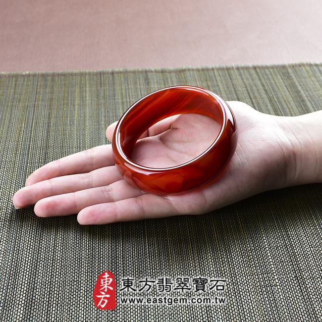 天珠紅瑪瑙玉髓手鐲玉鐲 大小示意照片 天珠紅瑪瑙手鐲。(圓鐲19,RM012)。客製化訂做各種天珠紅瑪瑙手鐲。★附東方翡翠寶石雙證書