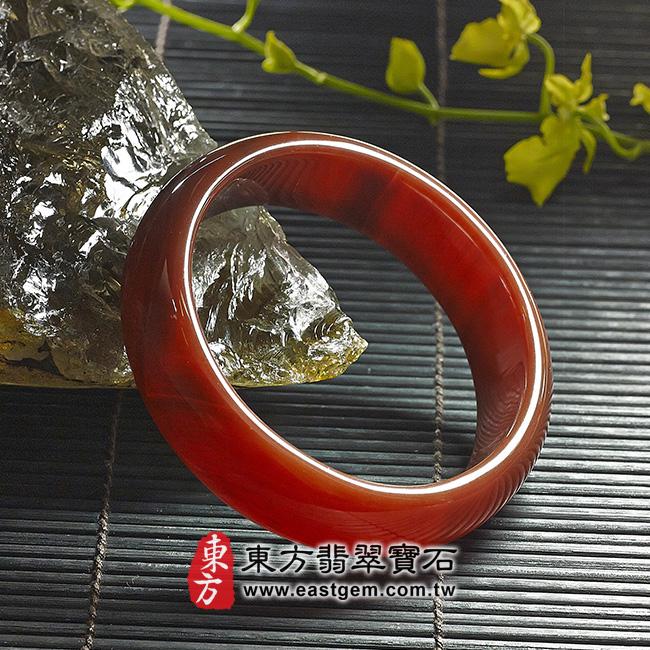 天珠紅瑪瑙玉髓手鐲玉鐲 左側照片   天珠紅瑪瑙手鐲。(圓鐲19,RM005)。客製化訂做各種天珠紅瑪瑙手鐲。★附東方翡翠寶石雙證書