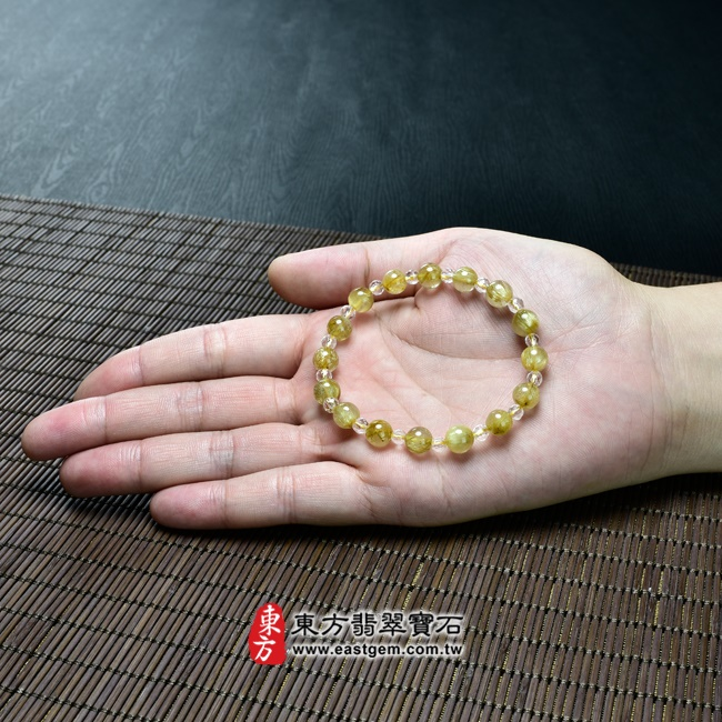 髮晶手鍊大小示意圖照片 髮晶手鍊(髮晶珠子,髮晶珠徑約7~8mm、透明格珠珠徑約4mm,OFJ214) 客製化設計各種髮晶珠串、髮晶珠子、髮晶手珠。★附東方翡翠寶石保證卡