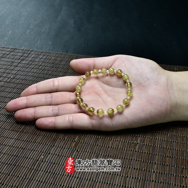 髮晶手鍊大小示意圖照片 髮晶手鍊(髮晶珠子,髮晶珠徑約7~7.5mm、透明格珠珠徑約3mm,OFJ234) 客製化設計各種髮晶珠串、髮晶珠子、髮晶手珠。★附東方翡翠寶石保證卡