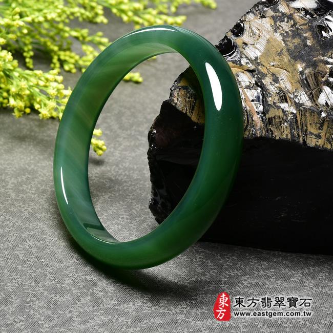 綠玉髓手鐲左側照片  綠玉髓手鐲、綠瑪瑙手鐲(綠色,圓鐲19,RG003)。客製化訂做各種綠瑪瑙手鐲★附東方翡翠寶石證書